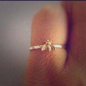 Jewelry - Bee-Ring 🐝